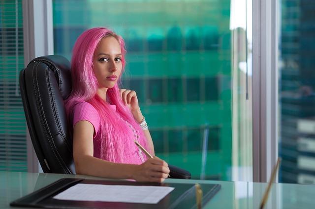 「起業じゃなくて、やっぱり会社の中で」が増えている