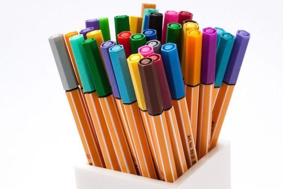 サインペンって言われたら、どんなペンを用意する?